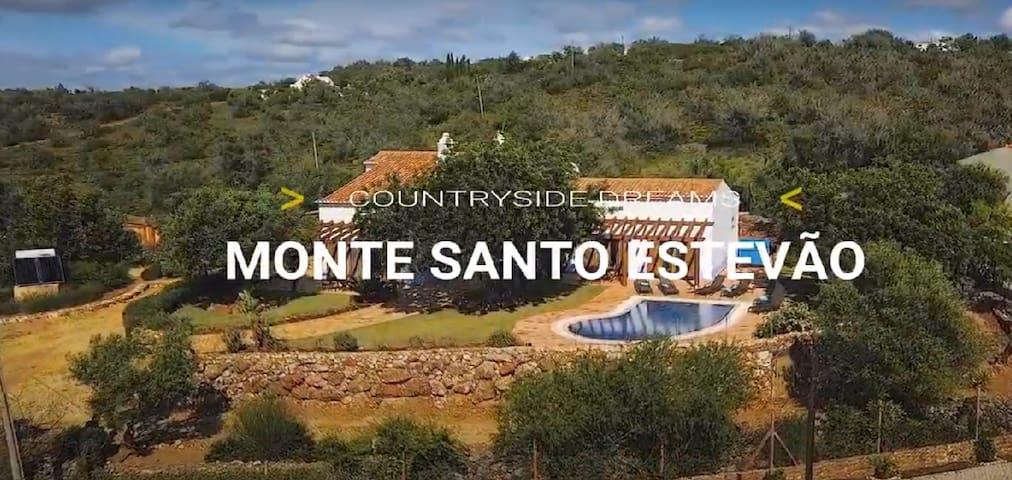 Villa Monte Santo Estevão.