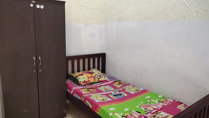 Affordable Single Room at Yellow House