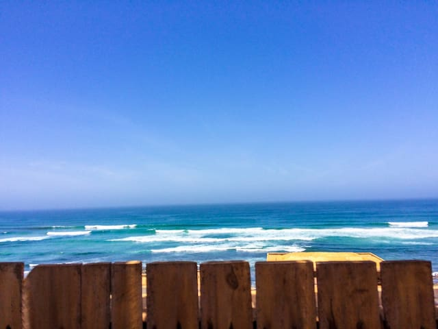 Room: Breakfast, sea view rooftop & surfing