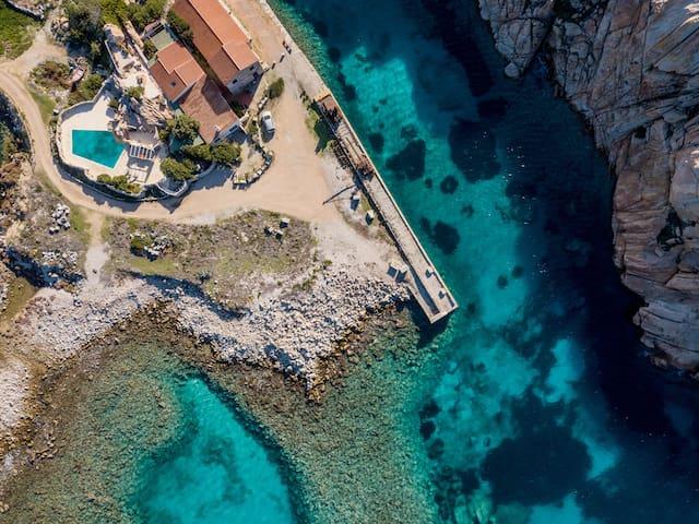 Villa Carezza di Mare directly by the sea