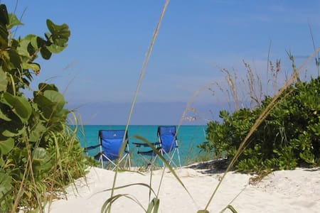 """Sunrise Dunes"" a beachfront villa - Treasure Cay"