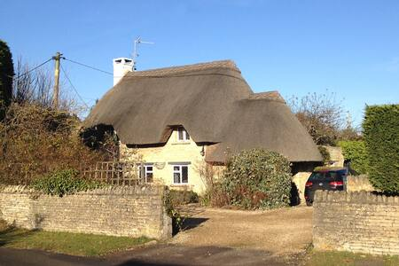 Private 1 Bedroom Garden Annexe - Standlake