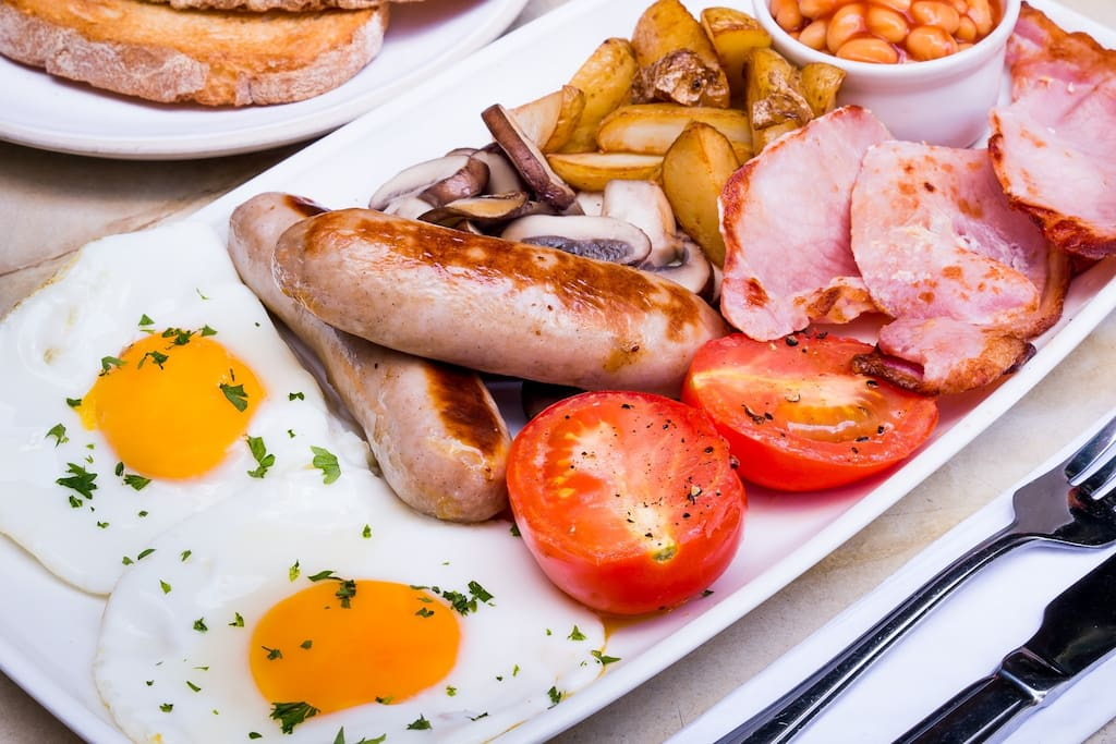 EXAMPLE OF COOKED ENGLISH BREAKFAST AVAILABLE TO ORDER