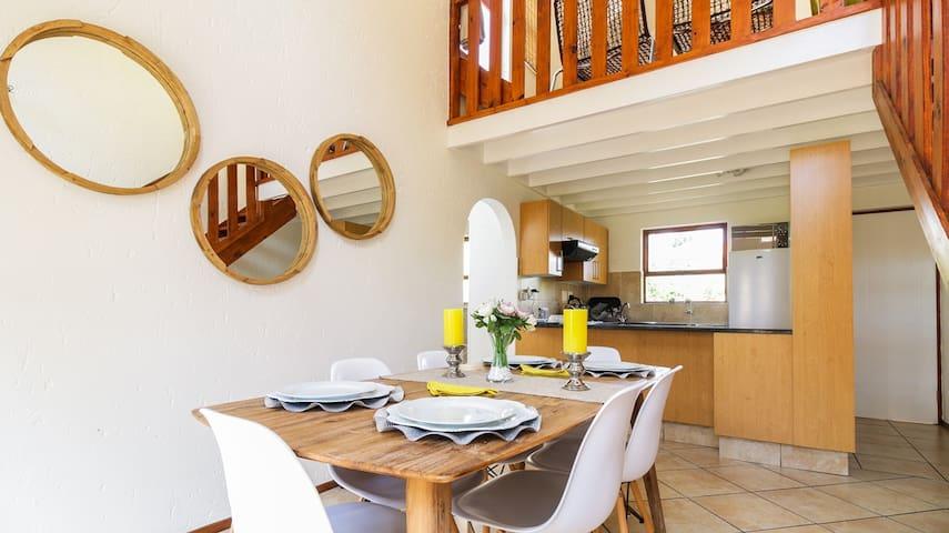 1 Bedroom,  Loft Apt- Fourways, Sandton