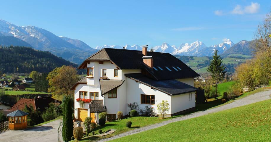 Haus Löger - C -family resort