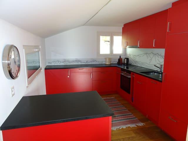 Wohnung im Dachstock in Chalet
