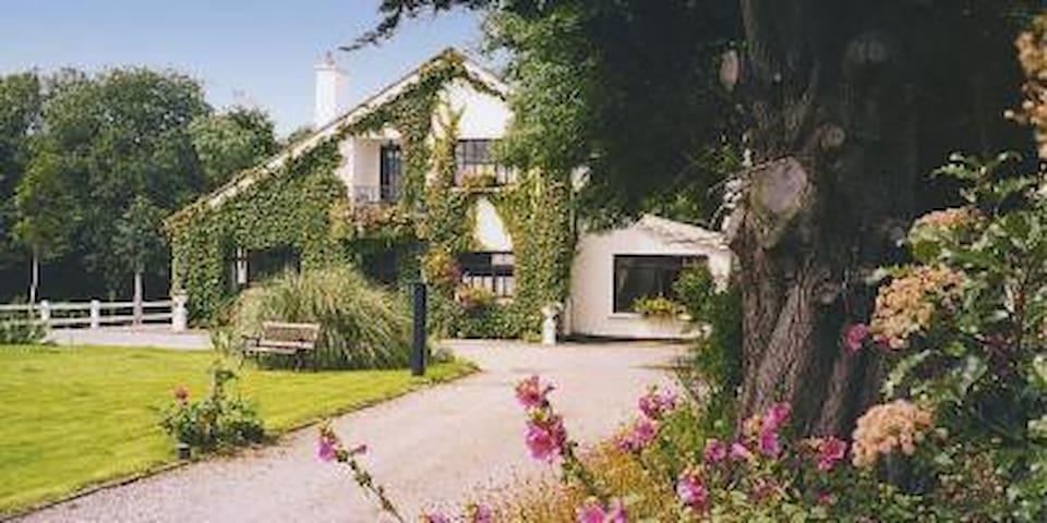 Brewsterfield Lodge Cottage.