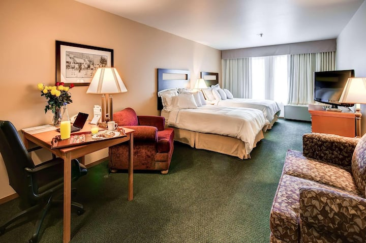 Available Room Two Double Beds At Longmont Area