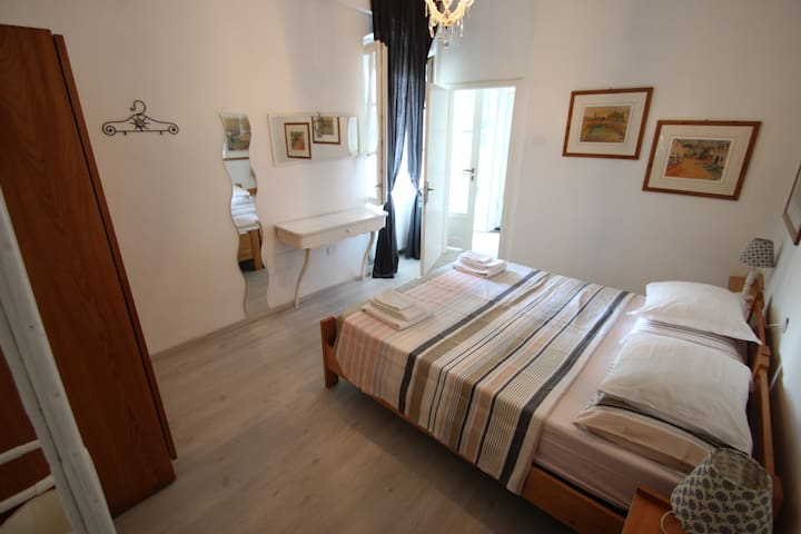 Double room with shared bathroom at B&B dal Nonno