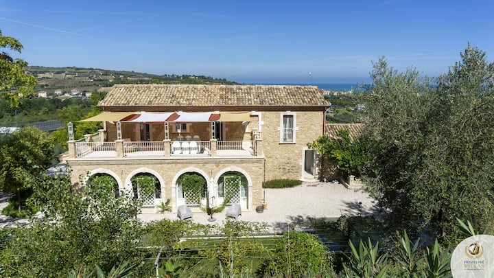 Villa Brezza Marina, private pool & sea view