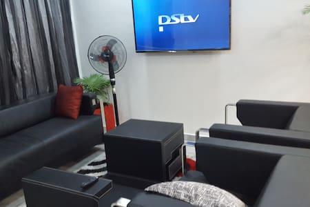 modern 2 bedroom furnished apartment - Accra - 公寓