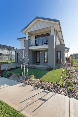 WYNDHAM HARBOUR VILLA - MELBOURNE BEACHFRONT, WIFI - Werribee South - Casa