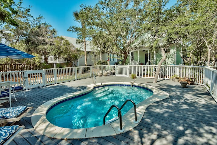 Private Pool-Close to Seaside & Beach-Pet Friendly