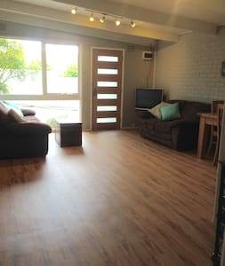 Renovated unit, close to everything in Ringwood - Ringwood - アパート