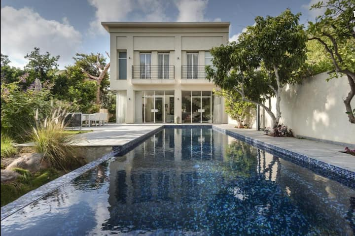 Luxury mansion - Herzliya Pituach