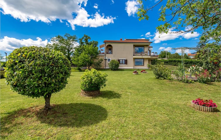 Holiday apartment with 1 bedroom on 35m² in Marinici