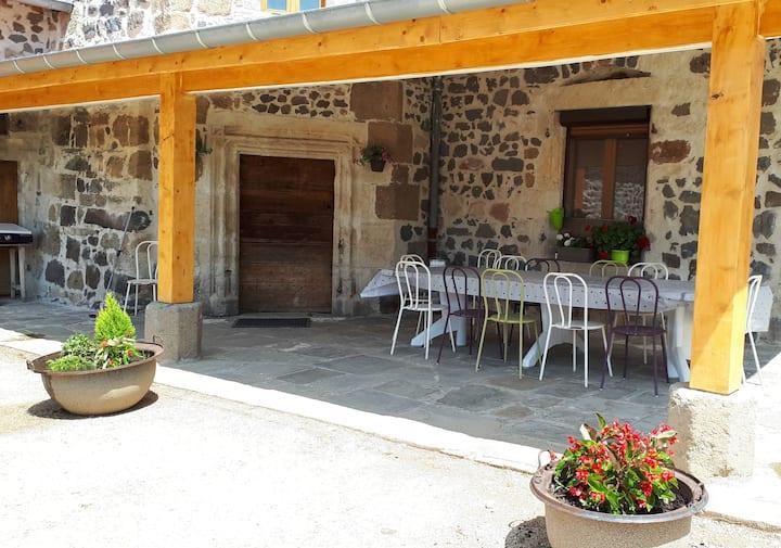 LE CHATEAU DE PIEYRES - Meublé de Tourisme 3*