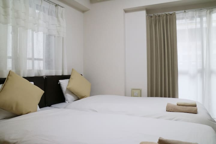 Walkable to Namba ☆ Standard Twin Bed Room #8