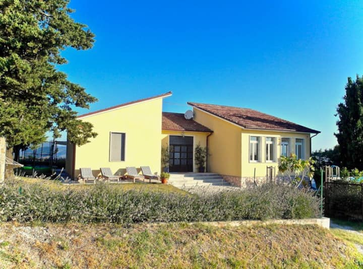 Completely renovated school near Fossombrone