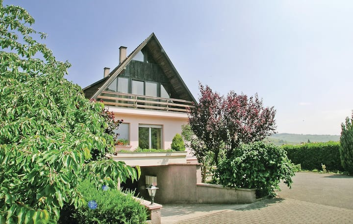Holiday cottage with 2 bedrooms on 123m² in Kaysersberg