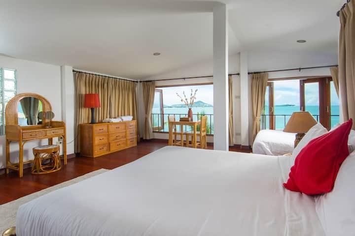 Deluxe 2 Bedroom villa with sea views