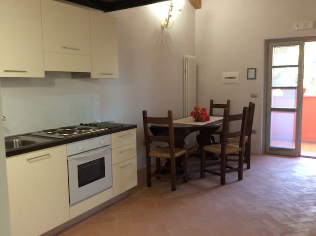Appart. Il Ginepro in Agriturismo Colle Ombroso - Branca - Apartemen