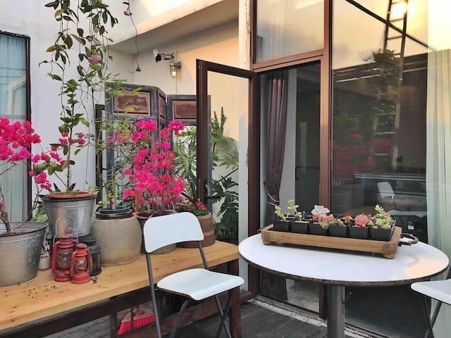 大鹏所城『兰井』302庭院泳池/露台大床房/摄影师的家/较场尾大鹏古城