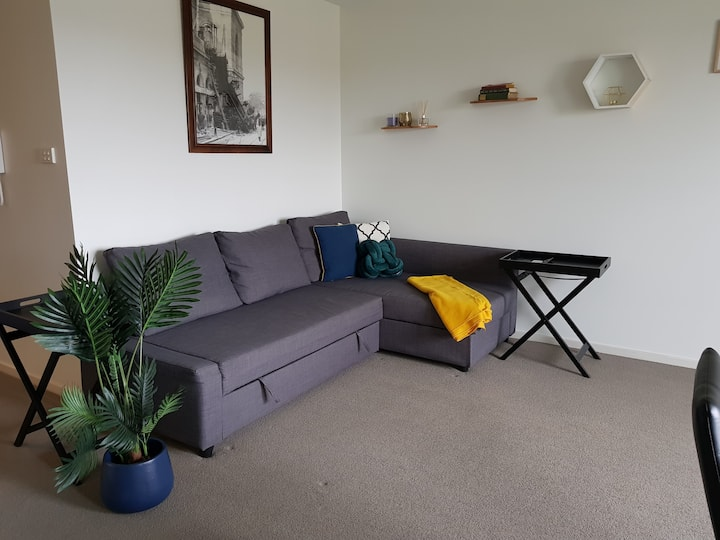 Spacious Central Gungahlin Apartment