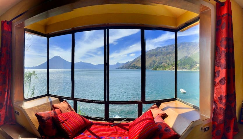 Une Bay window avec une vue de reve