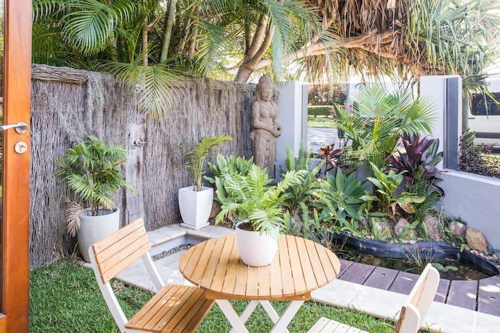 Garden Room 1