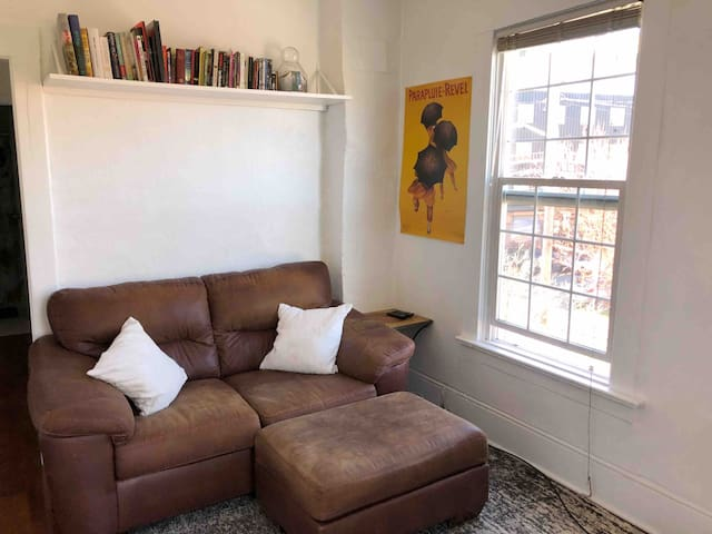 Bright&Cozy 1bed in the HEART OF FREMONT w Barcart