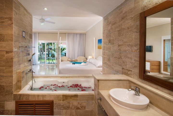 Cofresi Palm Beach Resort - V.I.P ALL INCL.