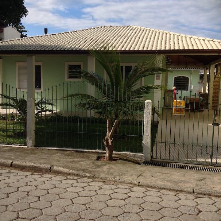 Casa de praia na Barra da Lagoa