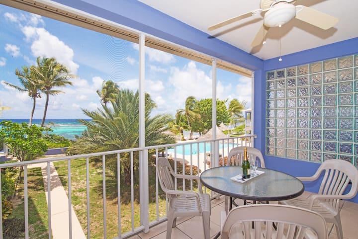 Luxurious beachfront, 2 bed, 2 bath, pool & tennis
