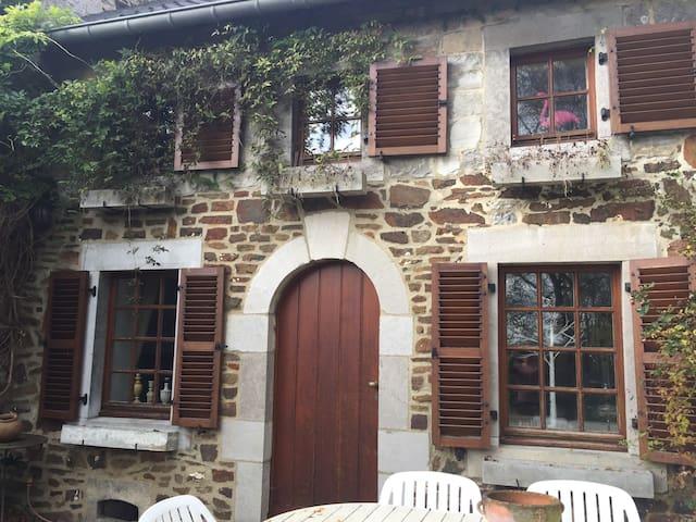 Le Chénia, fermette près de Huy - Wanze - House