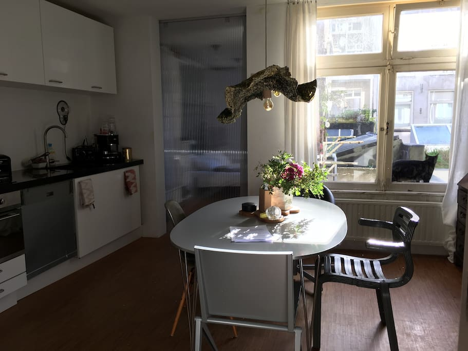 The real amsterdam experience apartments for rent in for Low cost apartments amsterdam