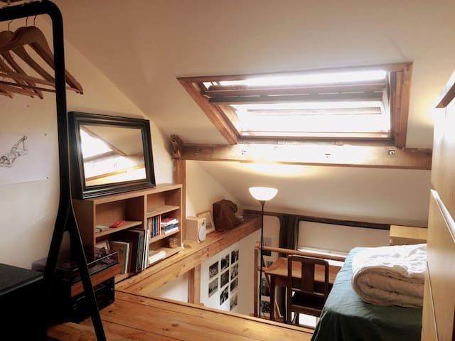 Cozy studio near Canal Saint Martin, Paris 10