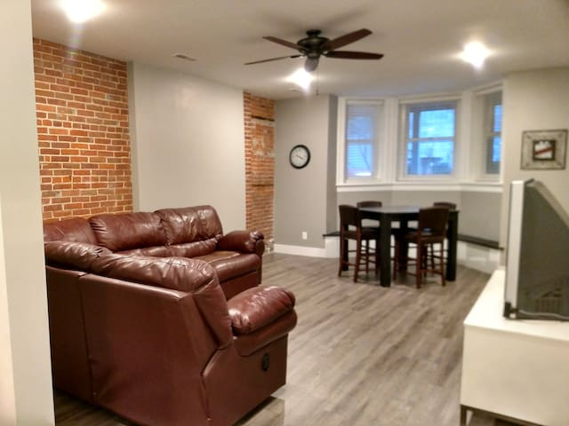 Newly renovated apartment downtown Dubuque