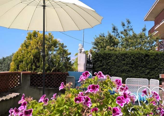 Camera matrimoniale con terrazzo - Villamagna - Villa