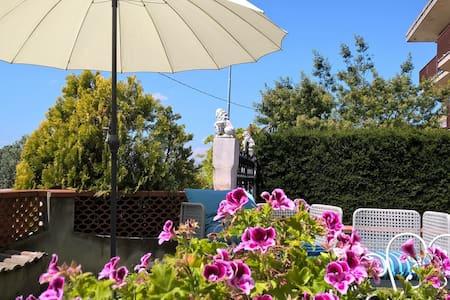 Camera matrimoniale con terrazzo - Villa