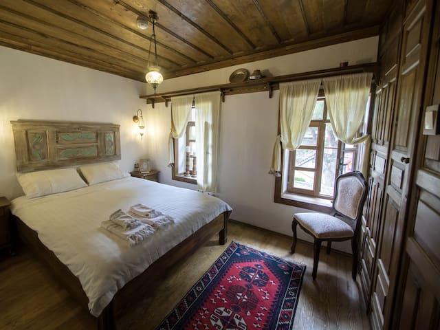 Dunur Odasi - Yeni Gelin Evi Birgi