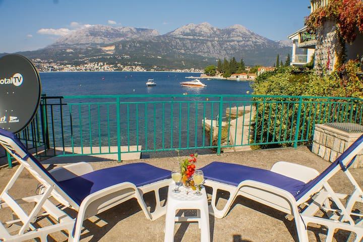 Lovely apartment on coastline, Rose, Montenegro
