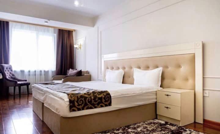 Комфортная однакомнатная квартира в центре Алматы