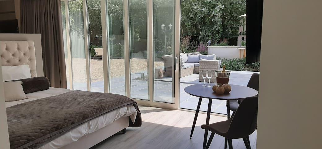 Landelijk gelegen luxe kamer met optie tot sauna !