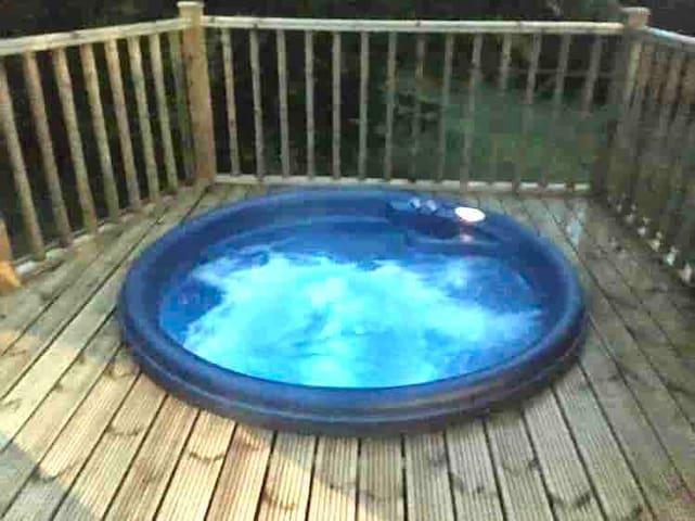 Hunters luxury Lodge-private hot tub. Amotherby