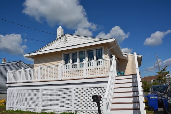 Charming Ocean City Cottage - Sleeps 6-8