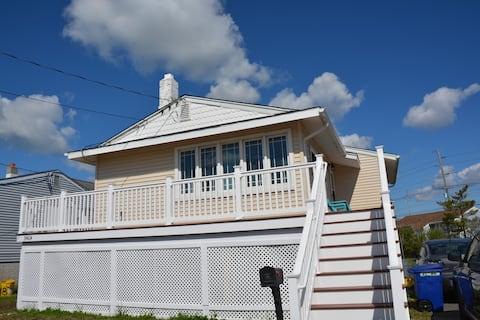 Charming Ocean City Cottage - Sleeps 6-8