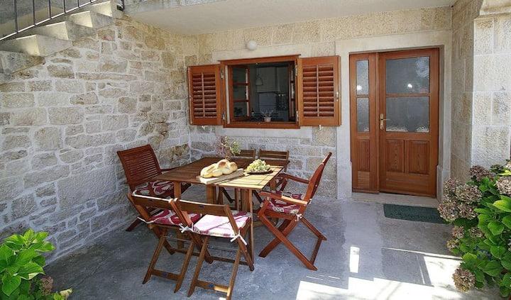 "Dalmatian old stone house ""Maška"""