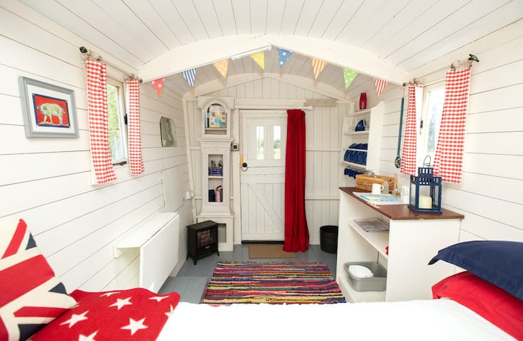 March Shepherd's Hut - Room only - Self Catering