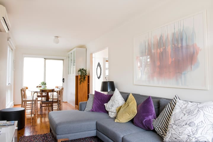 Fabulous Modern Unit in Exclusive Suburb